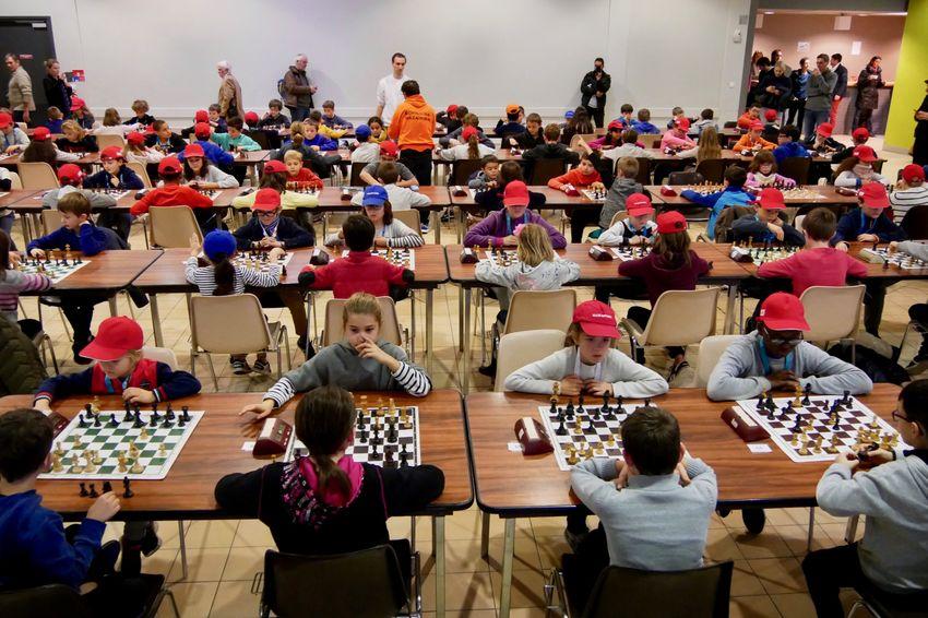 Plus de 200 enfants de la primaire au lycée participent au tournoi d'échecs à Machecoul. (©Ville de Saint-Nazaire)