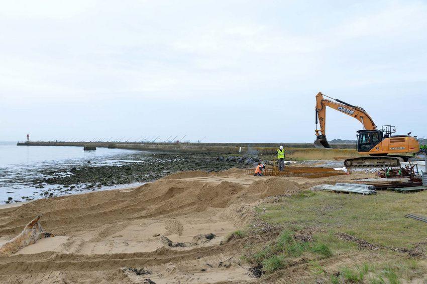 Le chantier a démarré le 5 octobre par la pose des fondation destinées à accueillir les 3 oeuvres.