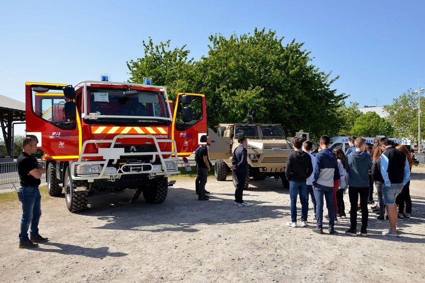 Dans le village des entreprises, les sociétés nazairiennes SIDES et ACMAT présentait ses véhicules truffés de technologies connectées.