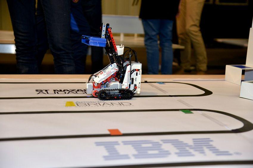Le concours robotique organisé par IBM