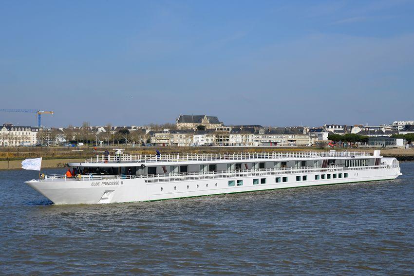 Le bateau fluvial est livré à la compagnie CroisiEurope. (©Ville de Saint-Nazaire - Christian Robert)