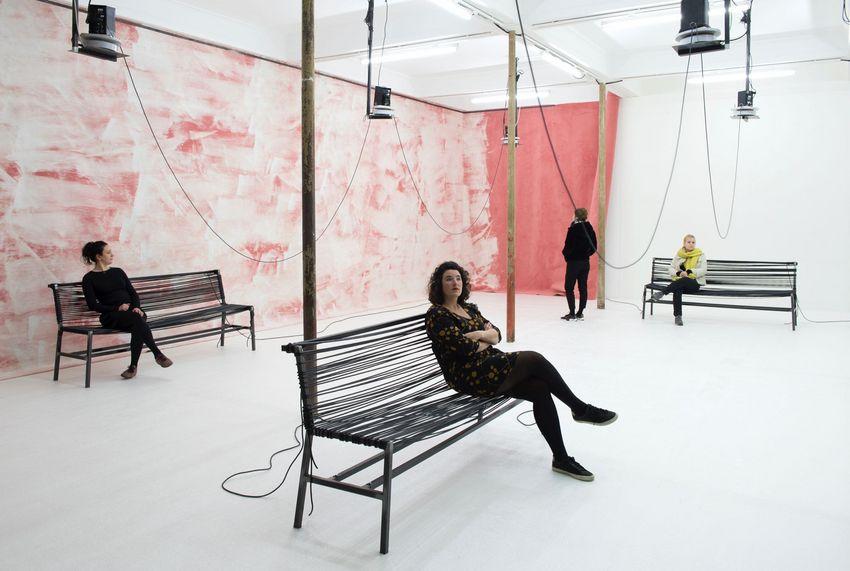 Pour cette exposition, Anne Le Troter a collecté les archives sonores d'une banque de sperme américaine. © Marc Domage.