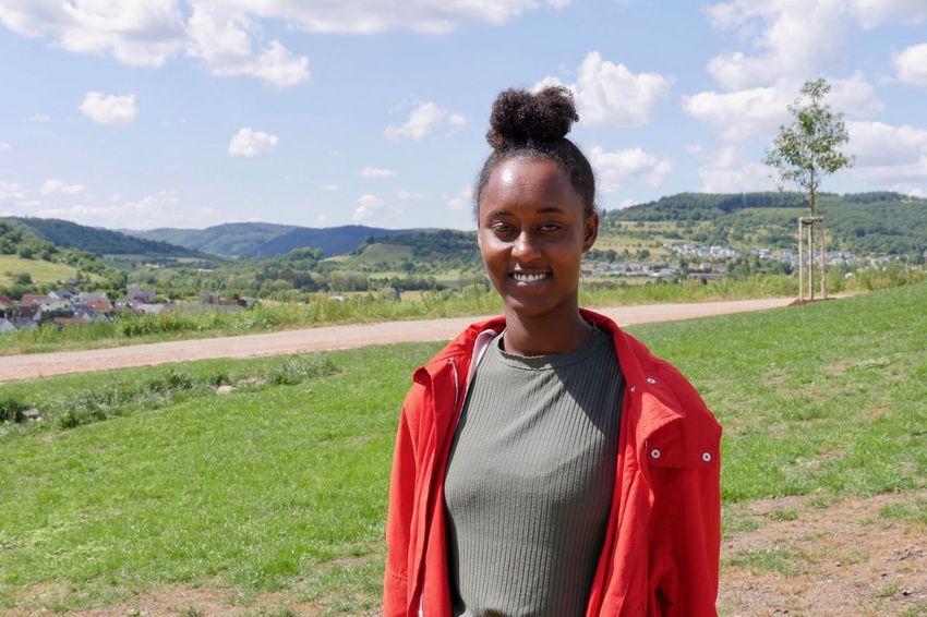 """""""C'est génial d'avoir cet environnement franco-allemand et européen"""", Paloma en service civique à Saarlouis. (©Ville de Saint-Nazaire)"""