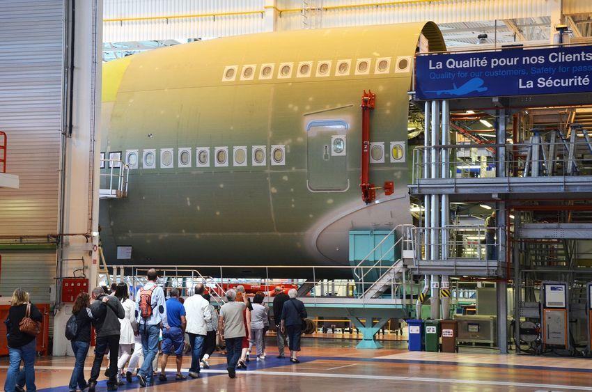 Toute l'année, Saint-Nazaire Agglomération Tourisme organise des visites d'entreprises aux chantiers navals de Saint-Nazaire et à Airbus à Montoir-de-Bretagne. © A Klose – SNAT