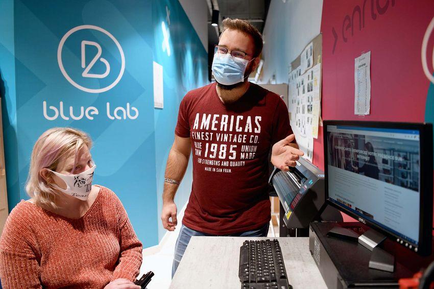 """Alexandre Grière a développé le site """"commerçant-numérique"""" avec le Blue Lab et Plage Web. (©Ville de Saint-Nazaire - Christian Robert)"""
