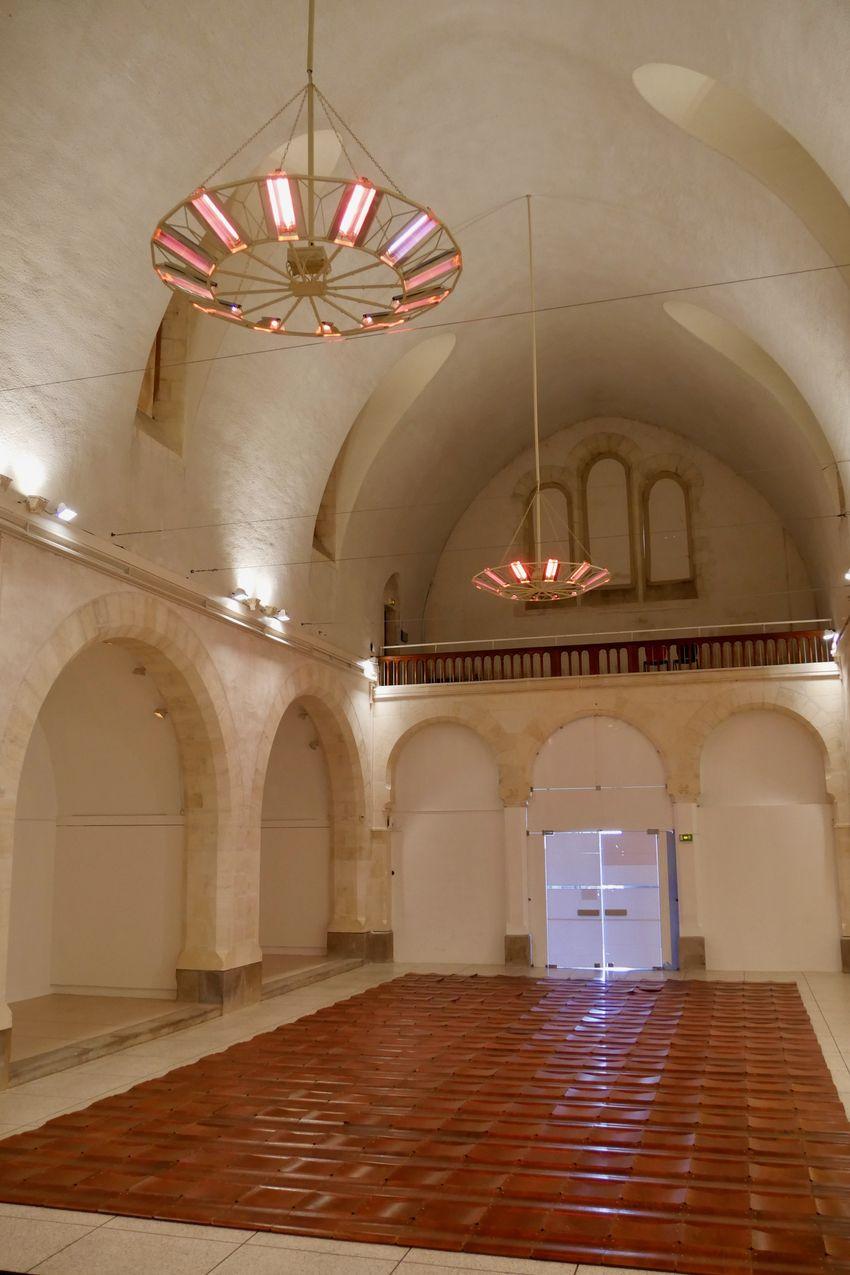 """Exposition """"Des Dalles"""" à la Galerie des Franciscains dans le cadre de """"Suivi de chantier"""" (©Ville de Saint-Nazaire)"""