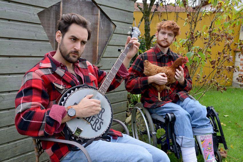 """Chez leurs parents, les """"Ginger Brothers"""" mettent toute leur imagination au service de leur musique folk. (©Ville de Saint-Nazaire - Christian Robert)"""