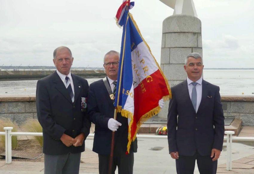 Les représentants de l'UNPRG avec David Samzun, le maire de Saint-Nazaire.