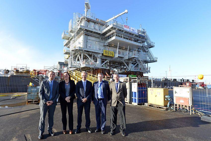 De gauche à droite : Laurent Castaing (STX France), Nathalie Oosterlinck (Rentel), Frédéric Grizaud (STX France), Didier Margraitte (General Electric) et Jan Vandenbroeck (DEME)