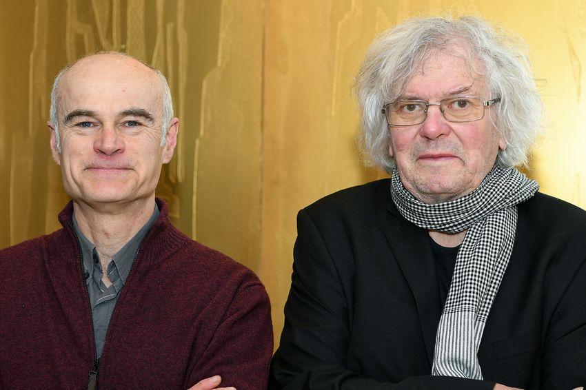 Loïc Mérot (gauche) et Jean-Marc Bonhomme (droite) de l'association Toits au soleil