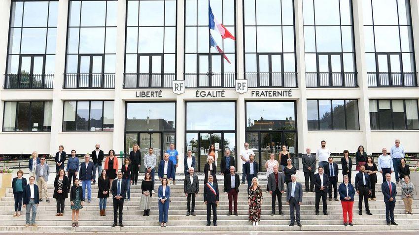 Le nouveau conseil municipal de la Ville de Saint-Nazaire. © Martin Launay - Ville de Saint-Nazaire.