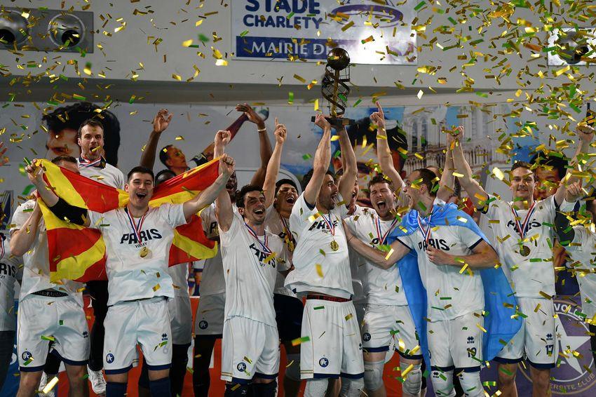 Paris Volley remonte directement en Ligue A après sa descente pour raisons financières l'an dernier.