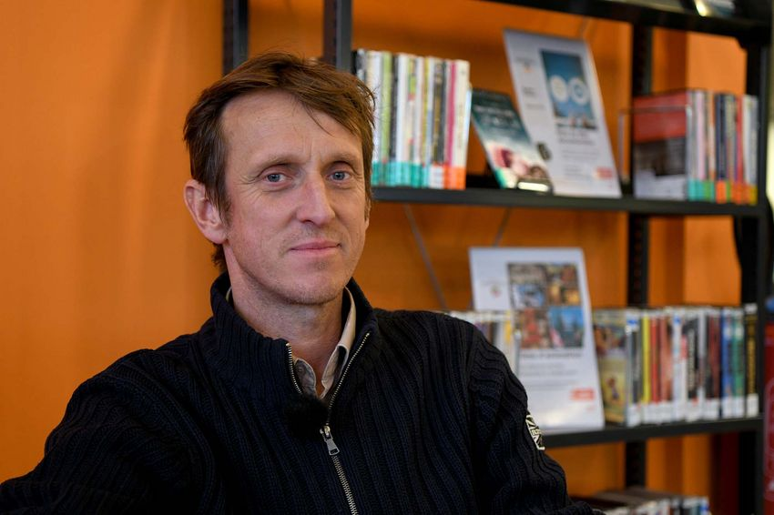 Jean-François Kierzkowski à la médiathèque Etienne Caux. (©Ville de Saint-Nazaire - Christian Robert)