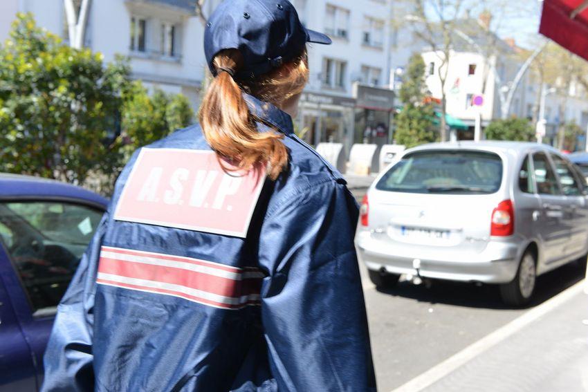 ASVP : agent de surveillance de la voie publique.