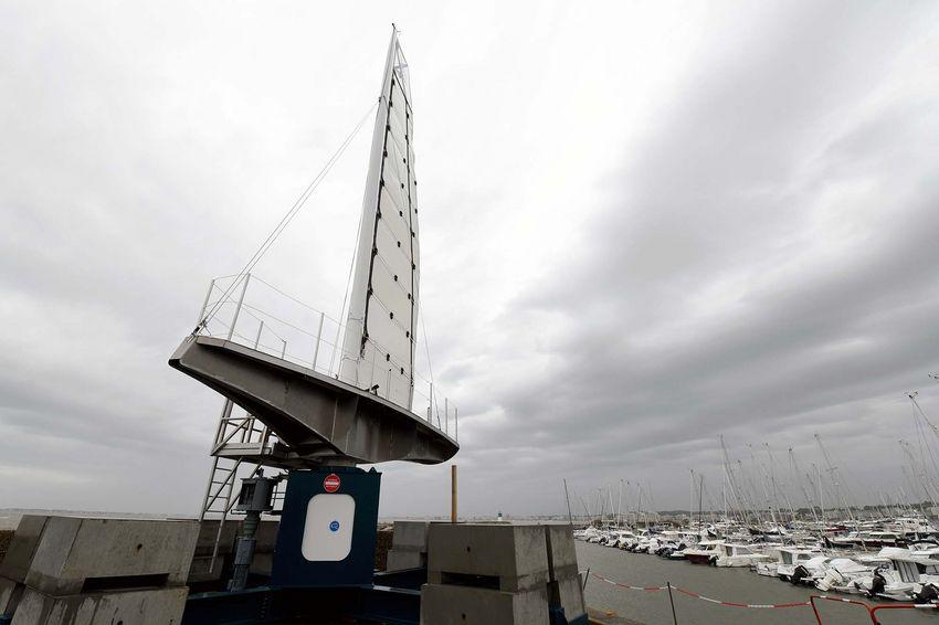 Le démonstrateur de la Solid Sail sur le quai du port de Pornichet (©Ville de Saint-Nazaire - Christian Robert)