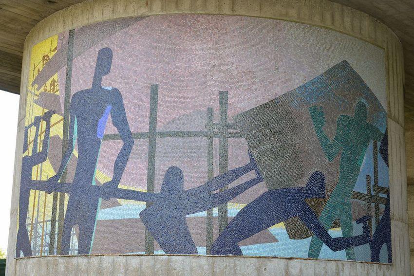 Mosaïque de Paul Colin « L'hymne au travail »