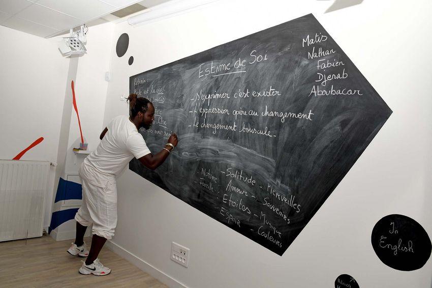 Pamphile de NCA Tranq's recourt à l'écriture, la musique et la gestuelle pour former les jeunes. (©Ville de Saint-Nazaire - Christian Robert)