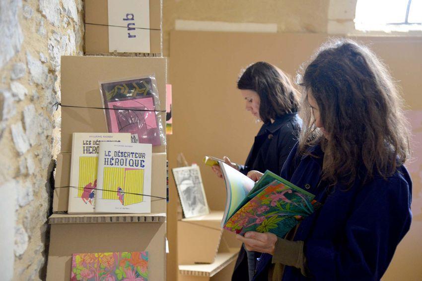 """""""Salon mondial"""" de Danny Steve pour l'exposition """"Vogues"""" au Fort de Villès-Martin (©Ville de Saint-Nazaire - Christian Robert)"""