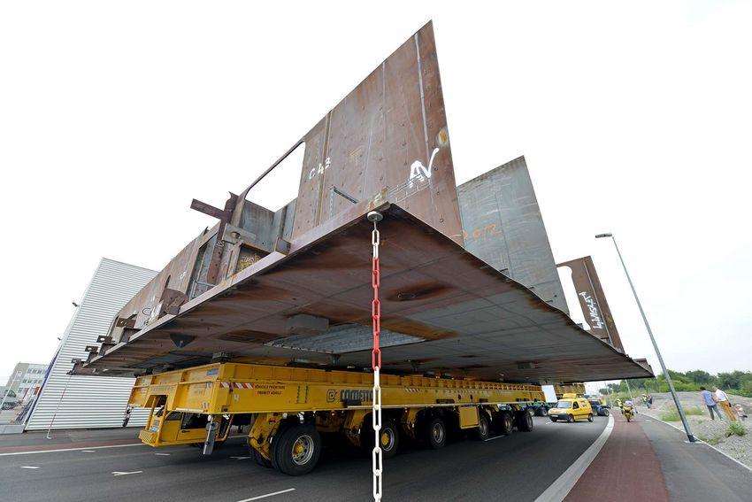 Panneau en tôle de 80 tonnes destiné au MSC Grandiosa (©Ville de Saint-Nazaire - Martin Launay)