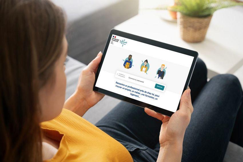 La plateforme numérique La Boussole, pour mieux informer les jeunes sur les aides auxquelles ils ont droit.