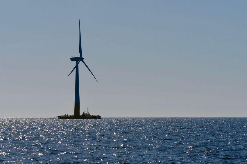 Floatgen, l'éolienne flottante au large du Croisic. Ville de Saint-Nazaire - Nicolas Dumez