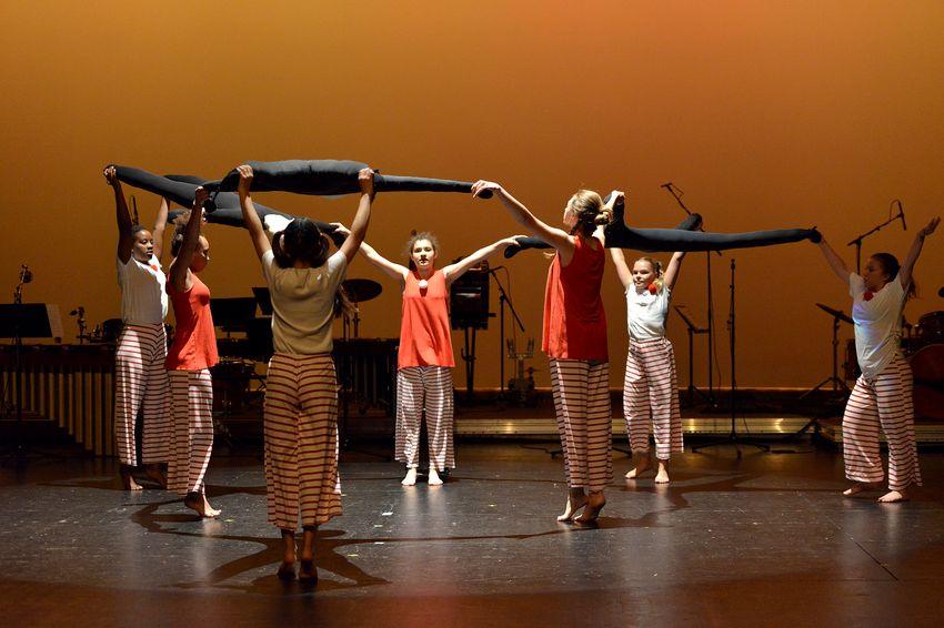 Chorégraphie pour les 10 ans de la fusion de la musique et de la danse au Conservatoire (©Ville de Saint-Nazaire - Martin Launay)