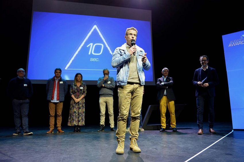 Trophée Transformation numérique :Jean-Jacques Vivier Legal marbre design.