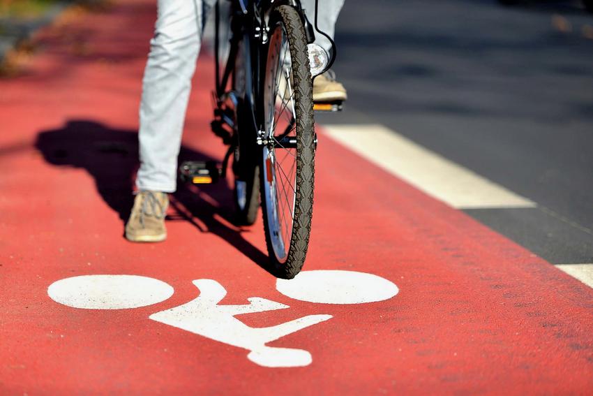 Le déploiement des pistes cyclables va se poursuivre pour accorder plus de place au vélo et sécuriser la pratique.