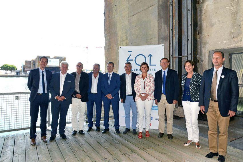 Les partenaires institutionnels et industriels (de gauche à droite) : Steven Curet – GE Renewable Energy, Philippe Grosvalet – Président du Conseil départemental de Loire-Atlantique, Patrice Bulting – Président de Saint-Nazaire Agglomération To