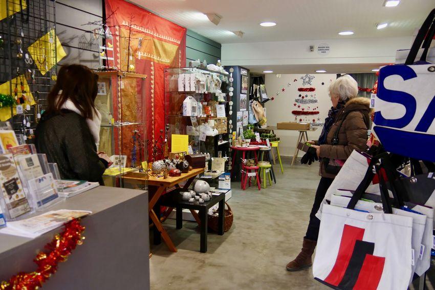 La boutique vend des produits issus de l'économie sociale et solidaire. (©Ville de Saint-Nazaire)