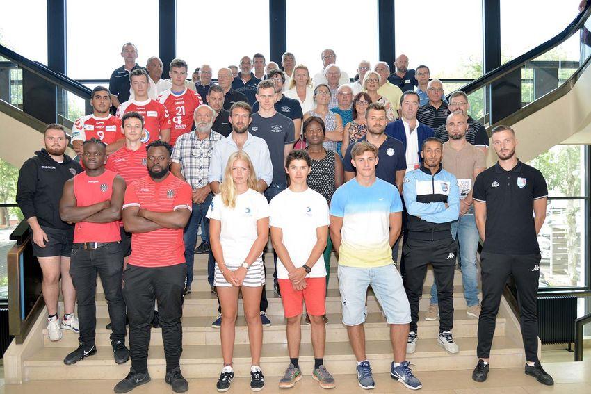 """La Ville a réaffirmé son soutien au sport de haut niveau en signant le 4 juillet dernier la convention """"clubs citoyens de haut niveau"""" 2018-2021. (©Ville de Saint-Nazaire - Martin Launay)"""
