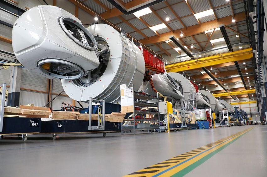 Une centaine de turbines par an sont assemblées sur le site. (©Ville de Saint-Nazaire - Martin Launay)