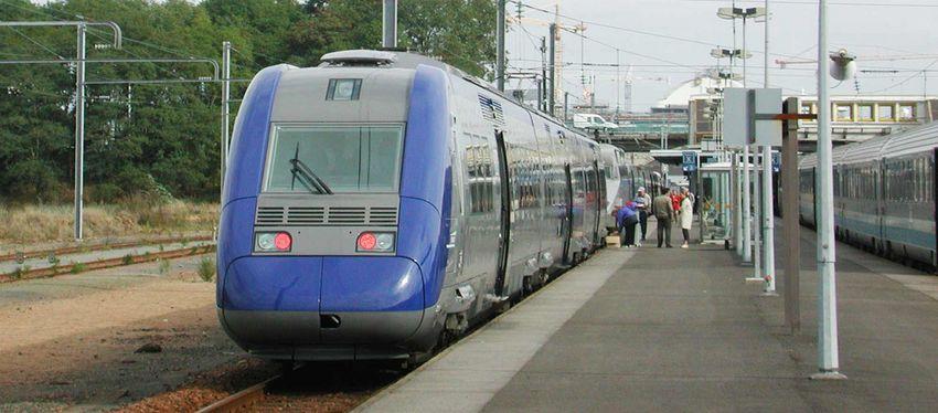 TER en gare de Saint-Nazaire
