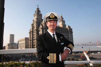 Le capitaine Wells sera aux commandes du Queen Mary 2 pendant la course The Bridge. © Cunard
