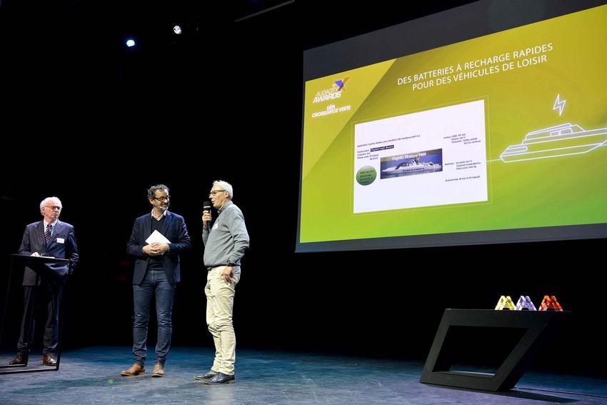 Le trophée Croissance verte a été remis par Daniel Moriceau, vice-président de Cap Atlantique (à gauche sur la photo).
