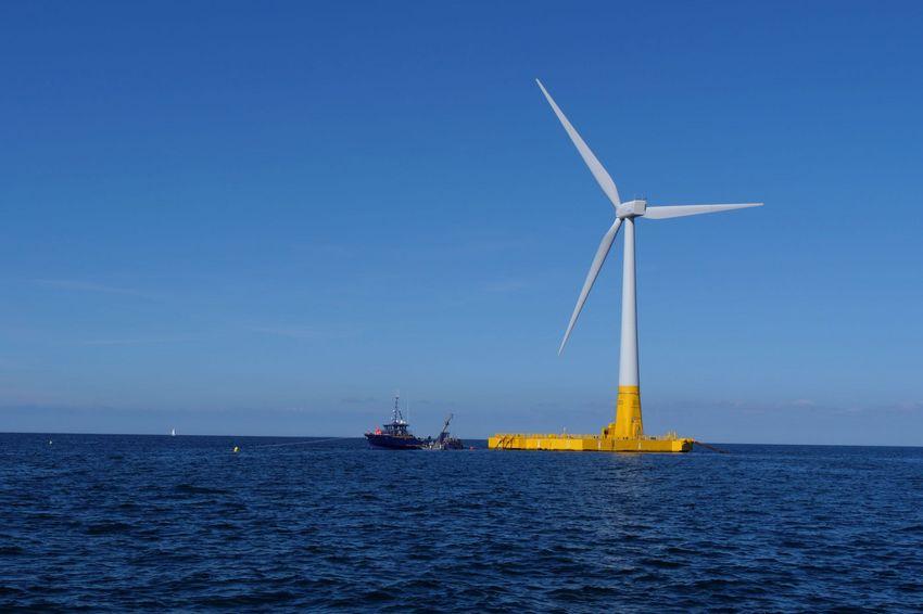 Floatgen, la première éolienne flottante testée en mer en France.