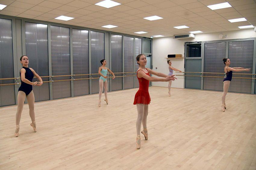 Les élèves de danse de niveau supérieur ont cinq heures de cours hebdomadaires au conservatoire. (©Ville de Saint-Nazaire - Christian Robert)