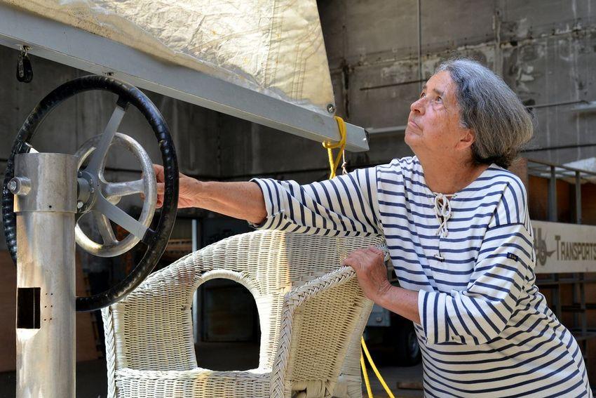Marie-Claude Castex, fille de l'ingénieur nazairien Jean Castex qui a inventé et construit l'Alucat en 1934. (©Ville de Saint-Nazaire - Christian Robert)