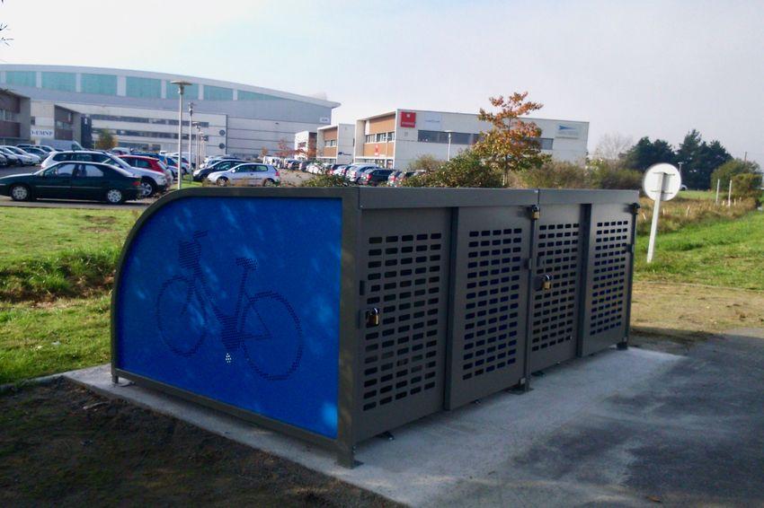 Le second box est installé près de l'arrêt Cadréan de la ligne hélYce.