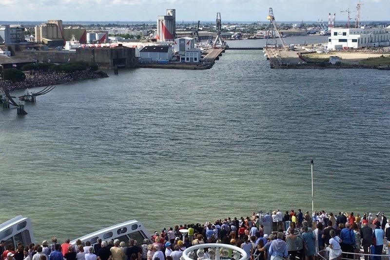 L'arrivée à Saint-Nazaire vue du Queen Mary 2. (© Grégoire Martin)