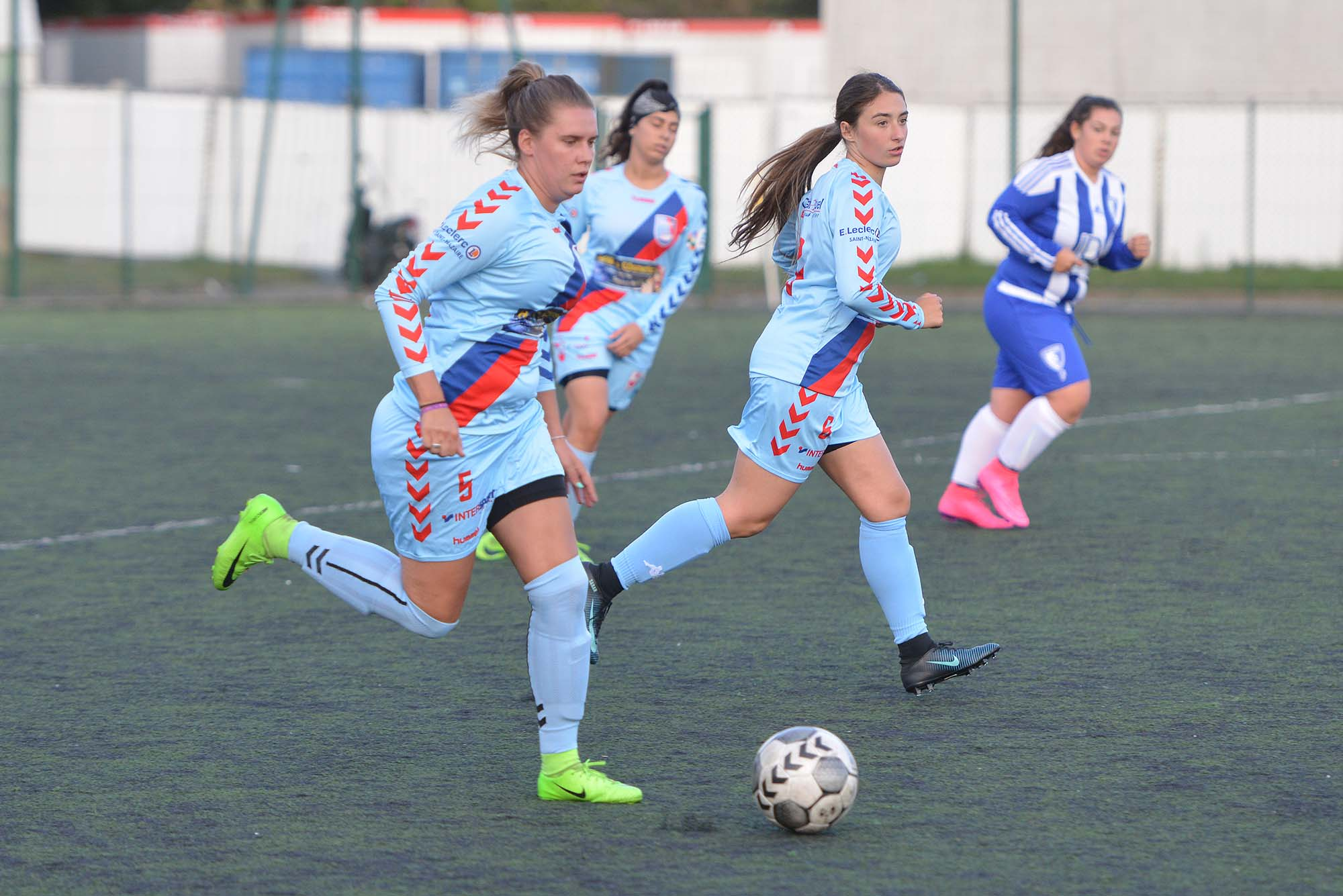 Sarah Gilard pendant le match amical face au FC Bouaye. (©Ville de Saint-Nazaire - Christian Robert)