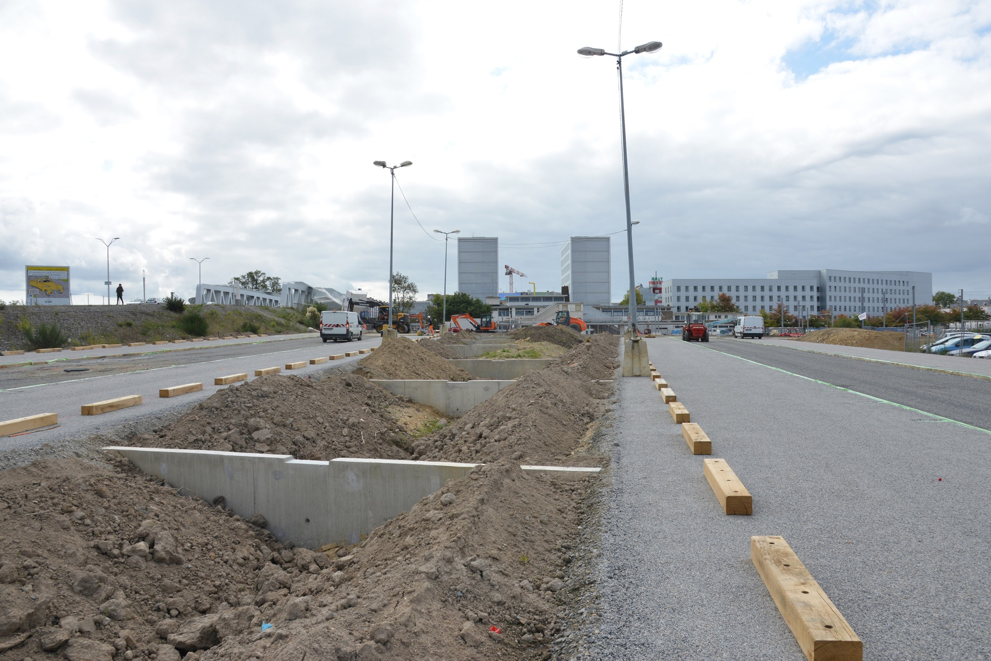 Une partie du parking nord de la gare est fermée pour permettre l'achèvement des travaux.