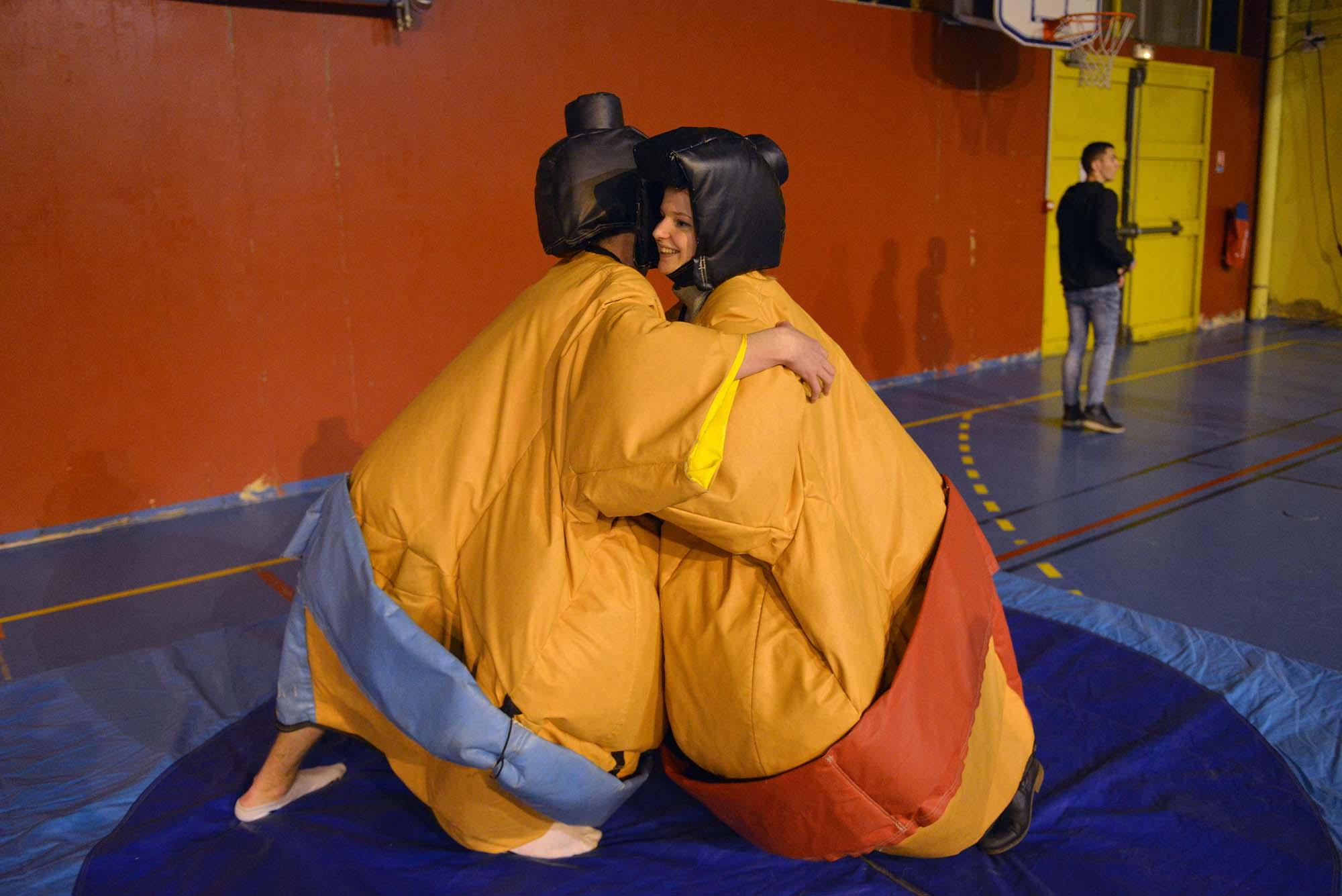 Un combat de sumo entre des étudiants. (©Ville de Saint-Nazaire - Christian Robert)