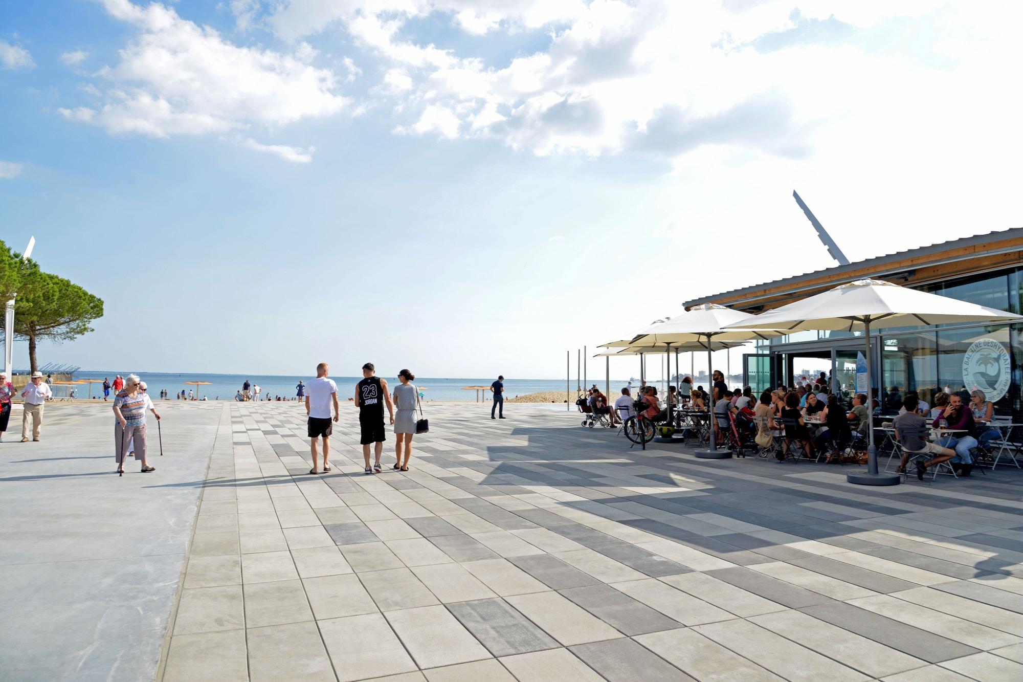 saint nazaire les bars et restaurants avec vue sur mer saint nazaire. Black Bedroom Furniture Sets. Home Design Ideas