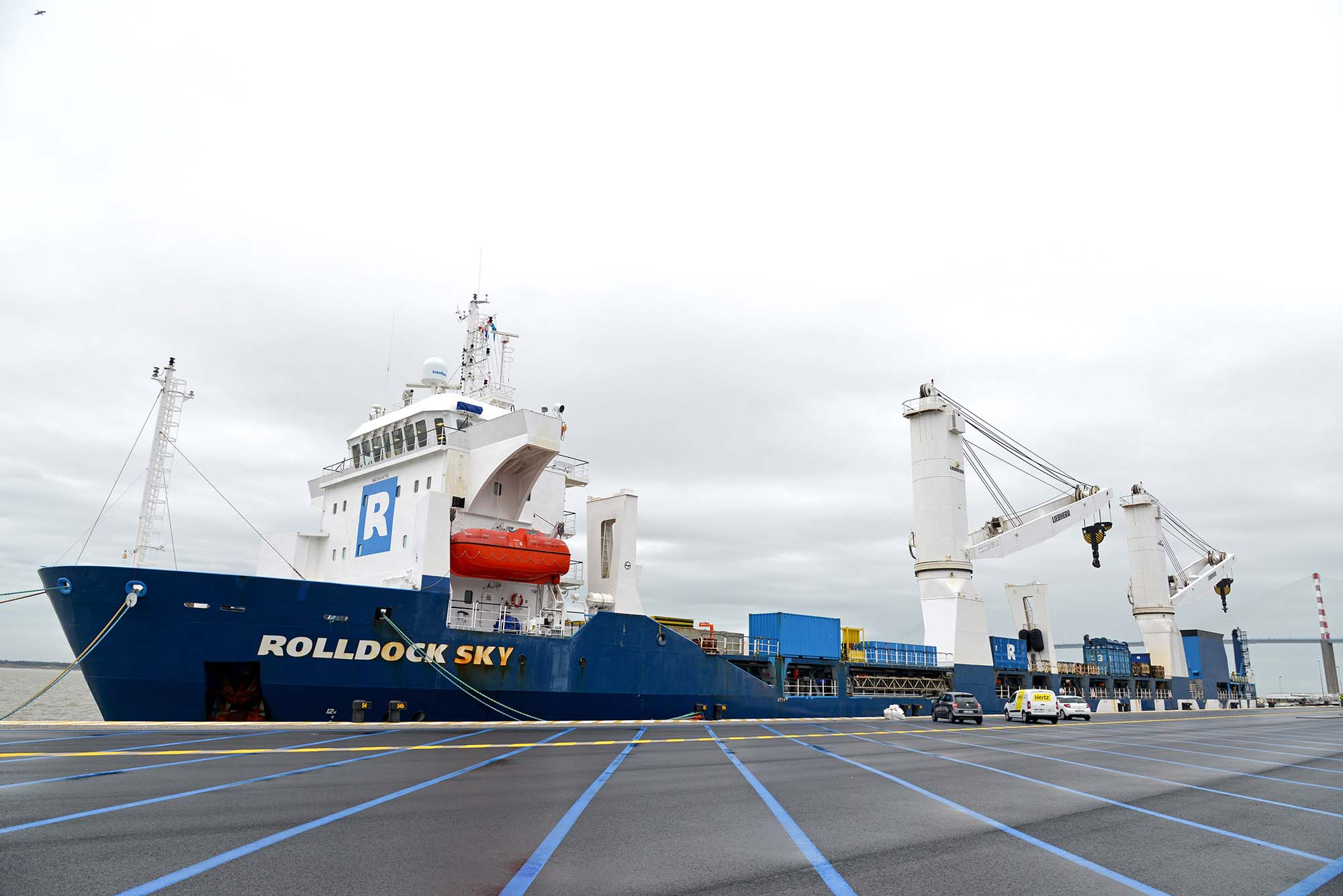 20180309 Le Rolldock Sky, chargé de l'Elbe Princesse II, prêt au départ pour Hambourg (© Ville de Saint-Nazaire - Martin Launay)