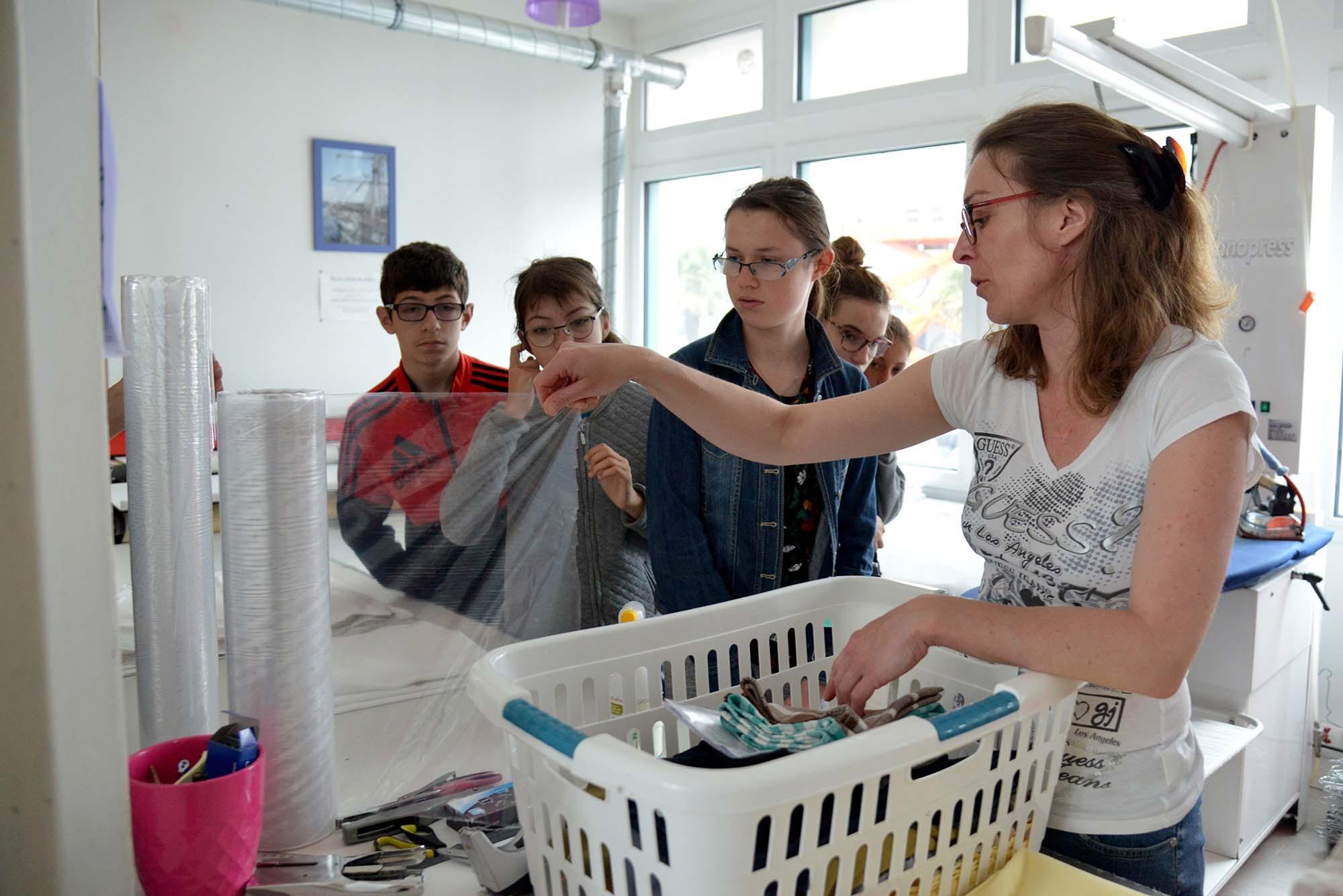 Visite de la blanchisserie nazairienne Hepdalé.