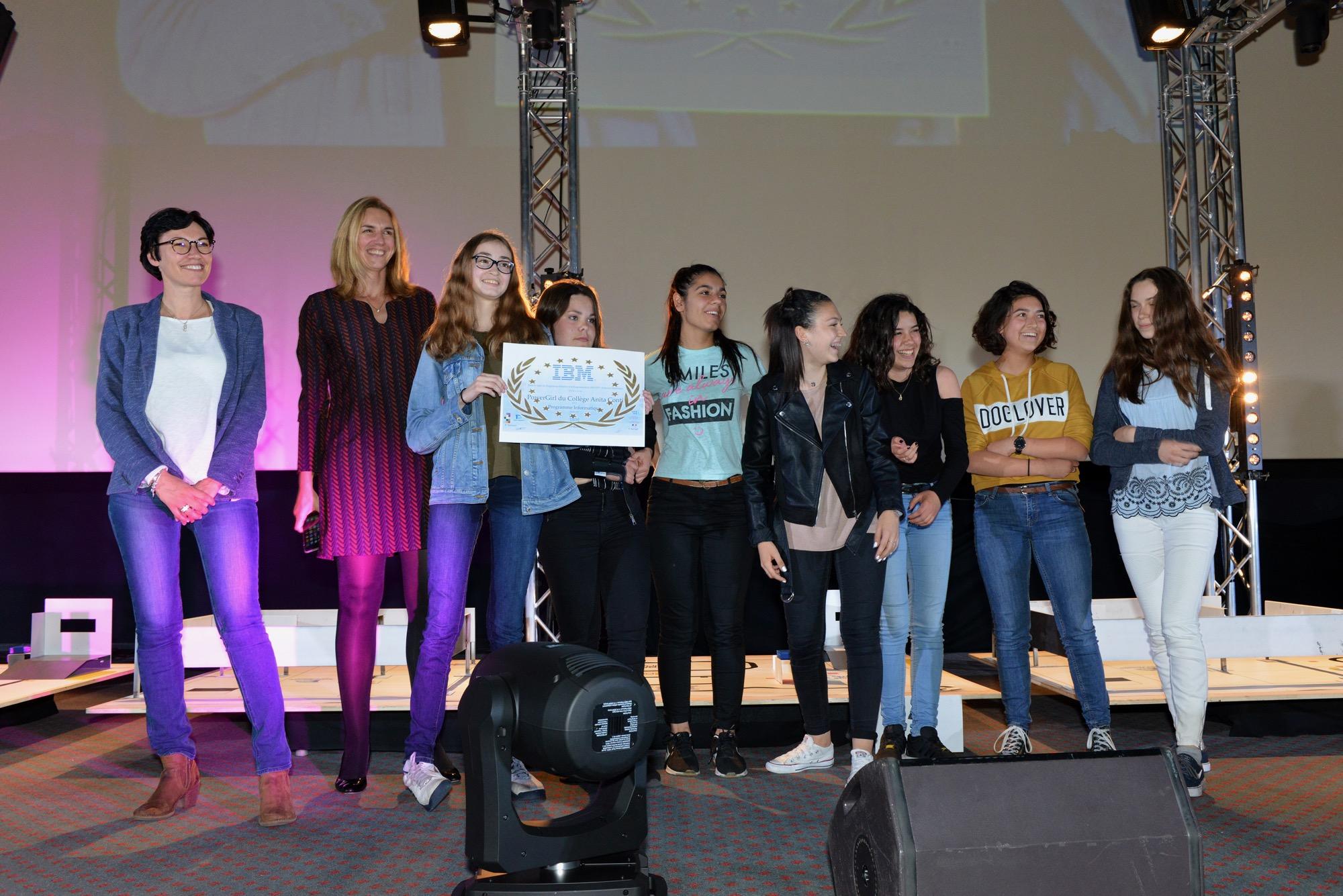 En 2017, le prix du meilleur programme est revenu à une équipe entièrement féminine : les PowerGirls du collège Anita Conti de Saint-Nazaire.