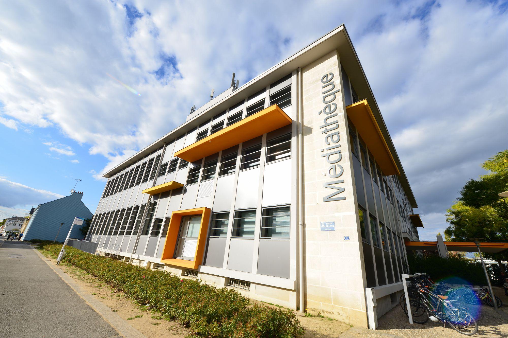 La Médiathèque de Saint-Nazaire.