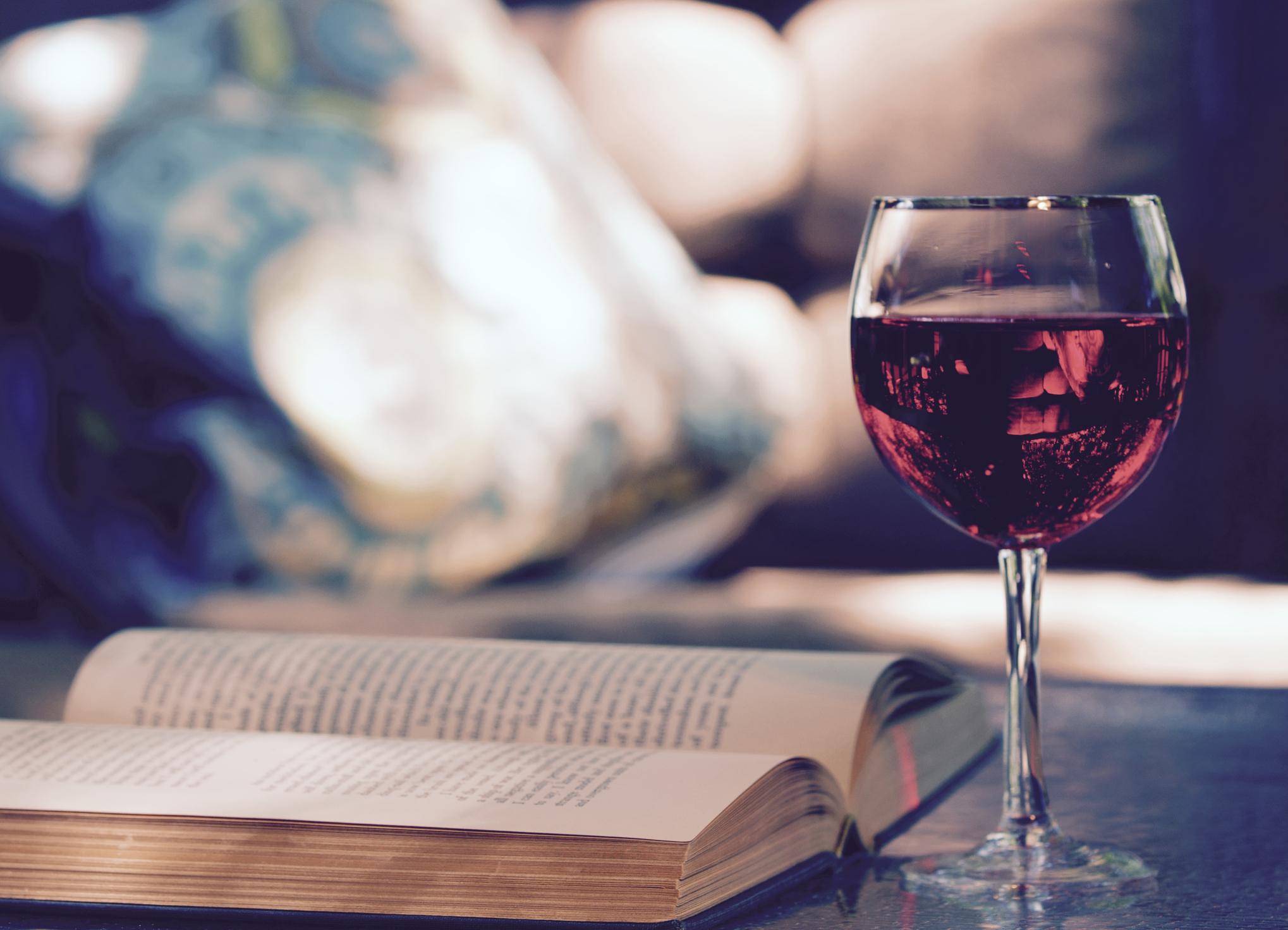 Du raisin, des bouquins. © IStock